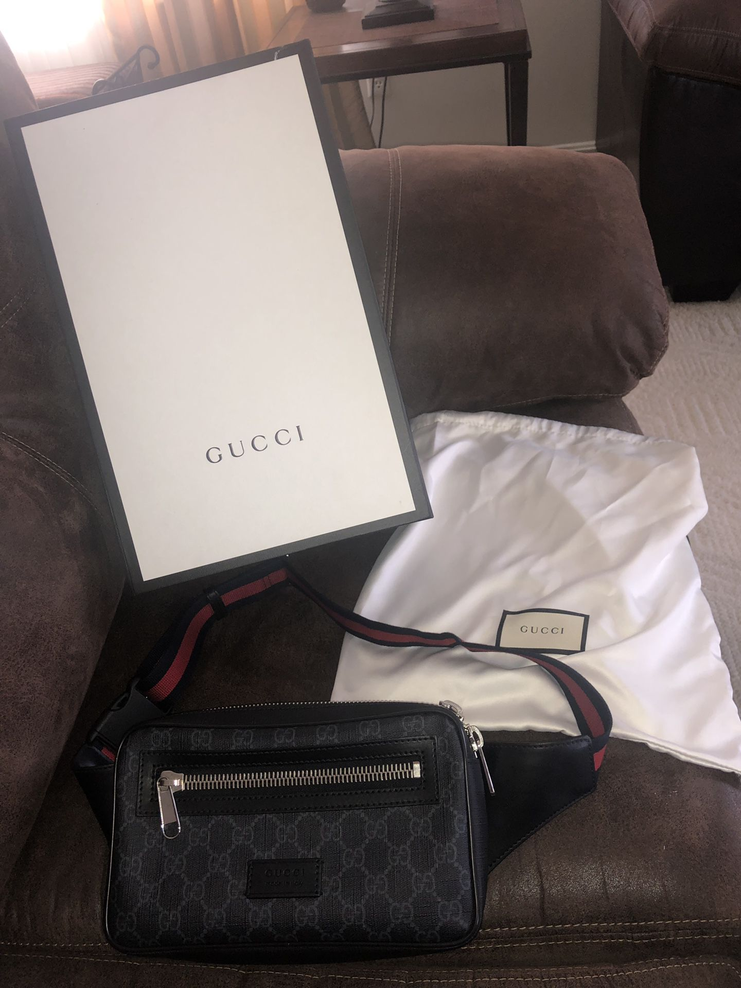 Gucci bag for 325$ with box & dust bag want gone today