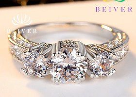 Beautiful wedding or engagement ring for Sale in Lakewood, WA