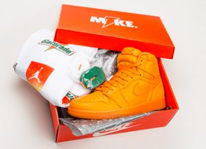 Nike Air Jordan 1 Orange Peel Gatorade Towel Shoe Strings AJ5997-880 for Sale in Alexandria, VA