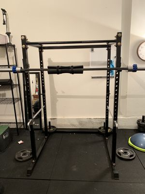 Titan Power Rack T2 - Squat / Bench / Weightlifting for Sale in Las Vegas, NV