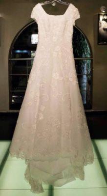 Wedding dress for Sale in South Salt Lake, UT