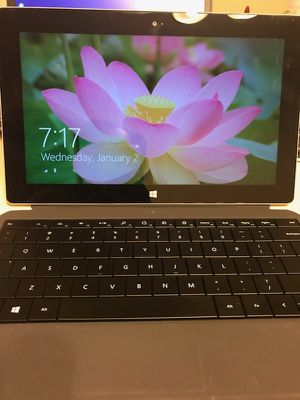 Microsoft Surface 2 32 GB for Sale in Chicago, IL