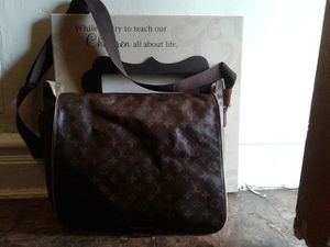LOUIS VUITTON MESSEGER BAG :Material is pure LEATHER and canvas for Sale in Washington, DC