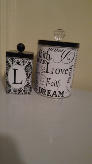 2 decorative tins for Sale in Chapel Hill, NC