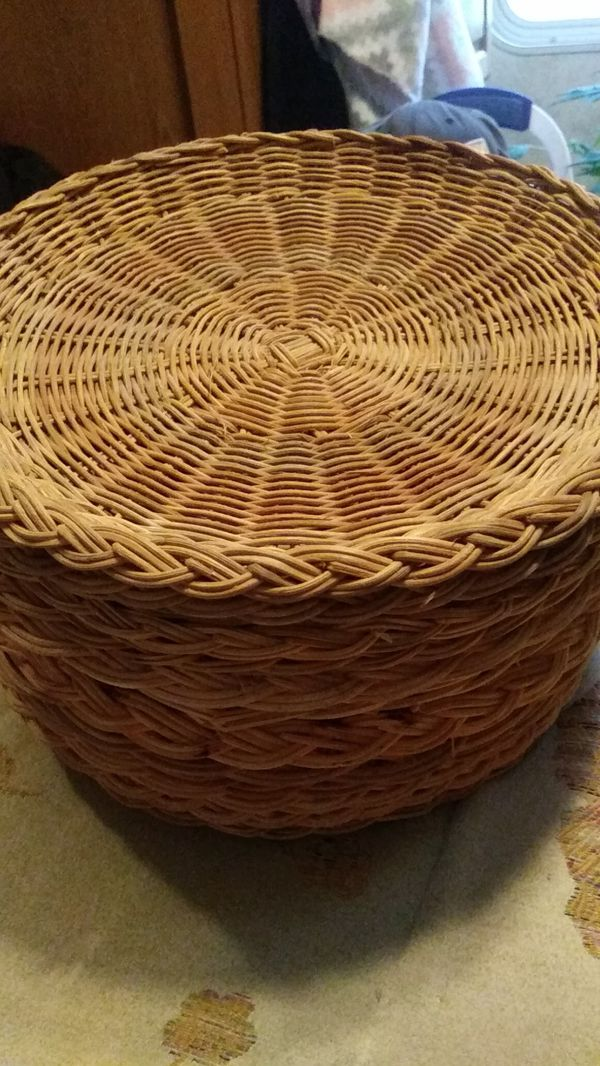 14 wicker paper plate holders for Sale in McMinnville, OR - OfferUp