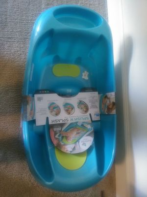 Bañera de niño o niña nueva. New for Sale in Alexandria, VA