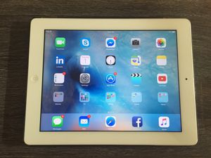 iPad 3rd Generation, Wifi, 32GB, White + 2 Smart Covers for Sale in San Diego, CA