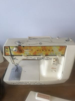 Singer Sewing Machine for Sale in Inwood, WV