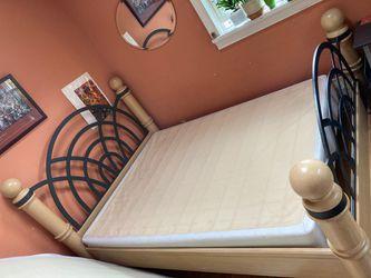 Premium wood Bed frame Thumbnail