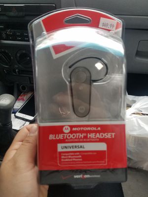 New in box Bluetooth headset for Sale in Chapel Hill, NC