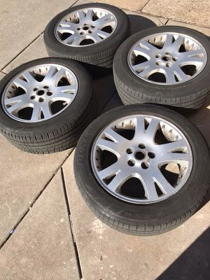 "Four Range Rover rims and tires size 19"" 255/50/19 for Sale in Baltimore, MD"