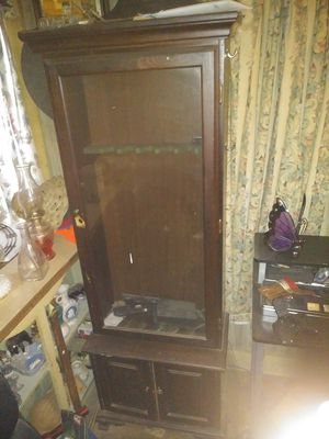 Gun cabinet for Sale in Greenville, SC