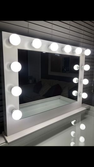 Hollywood makeup vanity 35x27 (mirror only) for Sale in City of Industry, CA