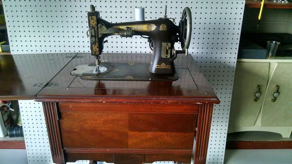 Antique Domestic Sewing Machine For Sale In Killeen TX OfferUp Mesmerizing Antique Domestic Sewing Machine