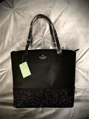 """Photo 💝 New Authentic """"Kate♠️Spade"""" (MarryAnne) Gold Coast Purse with Tags...The inside of the purse has 1 Large Zipper Pocket & 2 Medium Open Pockets (On"""