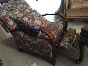 2 recliners in excellent conditions. for Sale in Tolleson, AZ