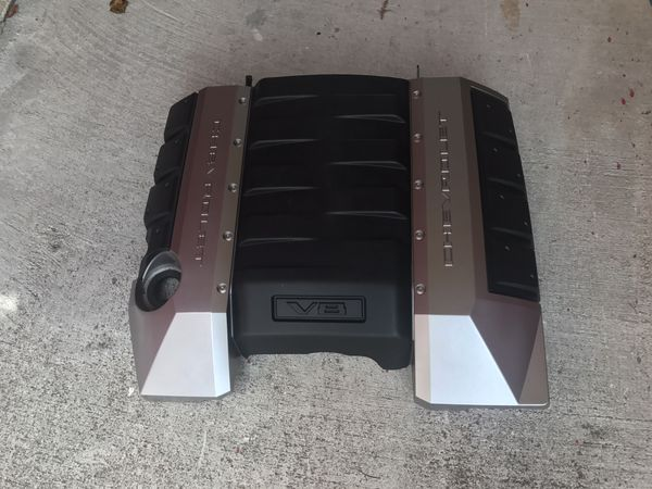 Chevy camaro LS3 engine cover new for Sale in Boca Raton, FL - OfferUp