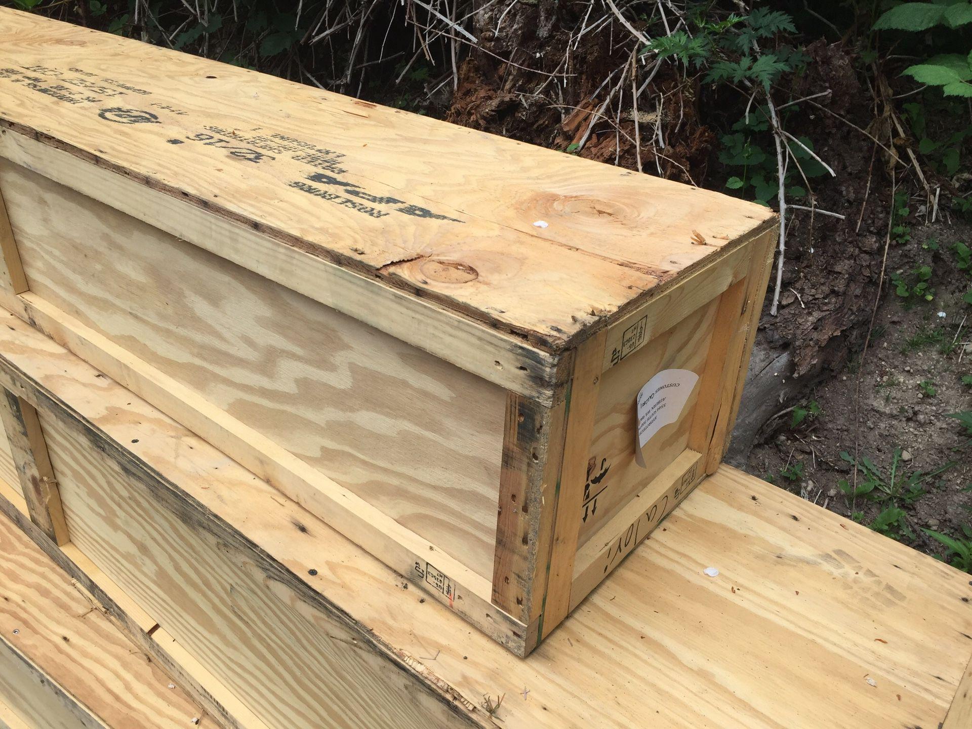 Wood shipping box's