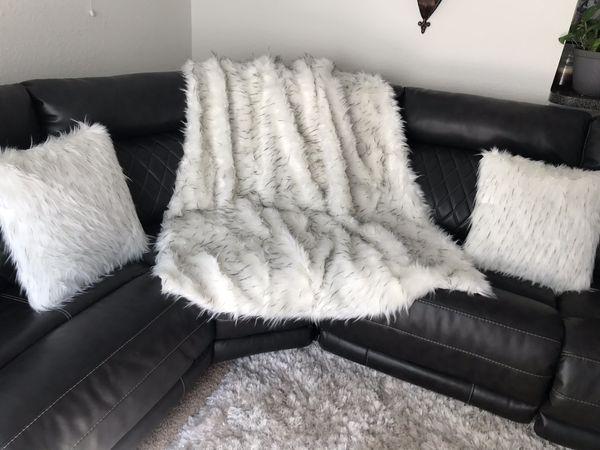 Ashley Luxury Throw For Sale In Sanford Fl Offerup