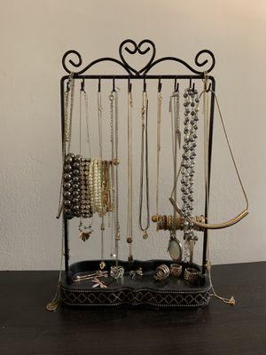 Jewelry stand (accessories included) for Sale in Alexandria, VA