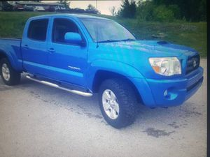 Toyota Tacoma 2006 4WD Runs good, no Mechanical Issues!This Ad is for My Mother please Email Her :• katherineosborn6 @ G M A I L.COM for Sale in Alexandria, VA