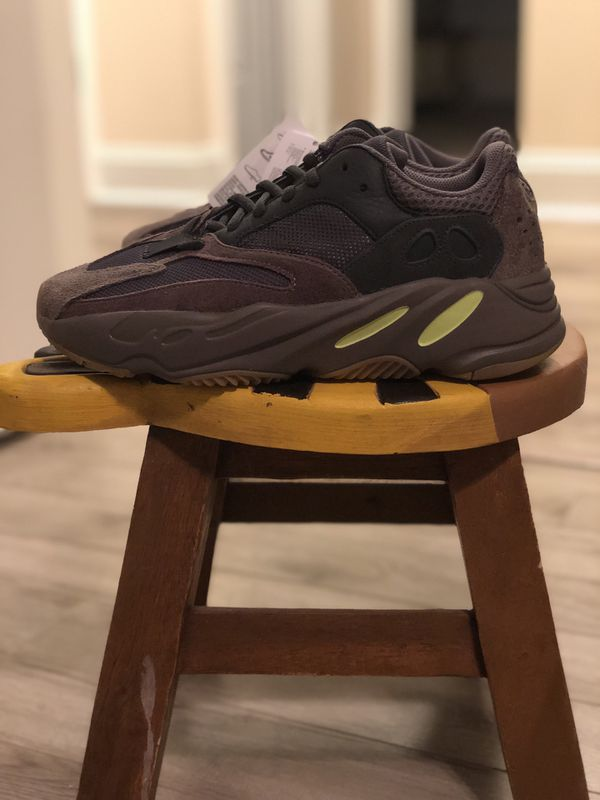 beab0d106 Yeezy 700 Muava for Sale in Greensboro