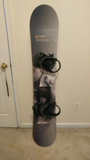 Avalanche Snowboard with Bindings for Sale in Fairfax, VA