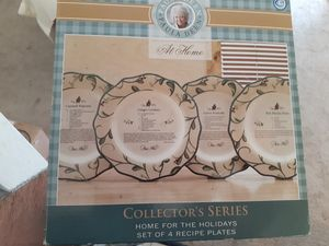 Photo Paula Dean limited edition at home for the holidays plate set