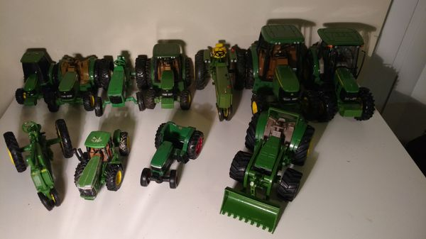 Toy Tractors For Sale >> Huge John Deere Toy Tractor And Accessory Collection For Sale In
