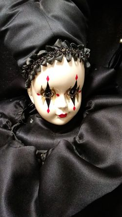 Collectible Edition Brinn's 1988 Doll Thumbnail