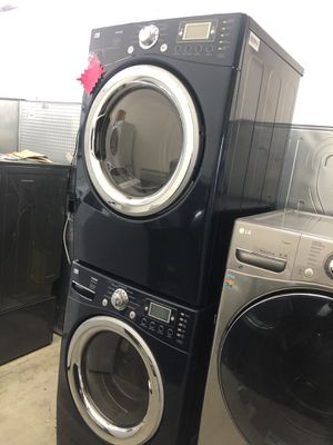 Photo LG Front Load Washer & Gas Dryer Set