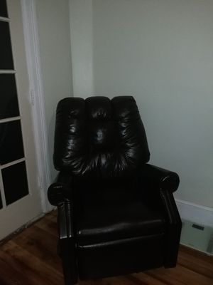 LAZY BOY Chair for Sale in Washington, DC