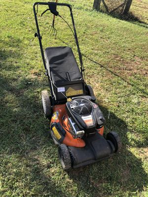 Columbia Professional 775 EX Series self propelled mower for Sale in Ashburn, VA