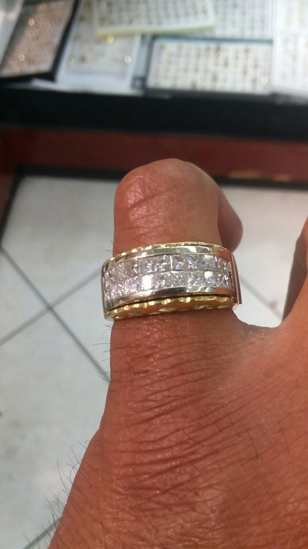 18k gold ring 16.8 grams 2 ct vs princess cut