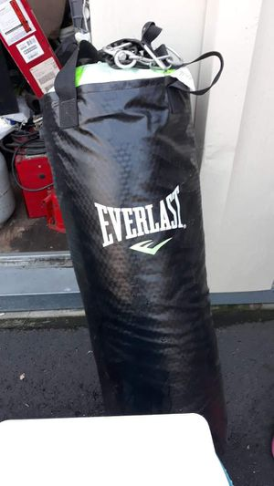 Punching Bag everlast for Sale in Santa Ana, CA