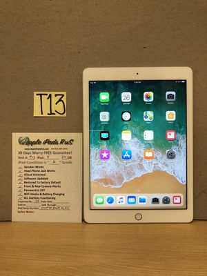 T13 - iPad 5 32GB for Sale in Los Angeles, CA