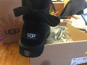 New Girls UGG's - Black Bailey Bow for Sale in West Friendship, MD