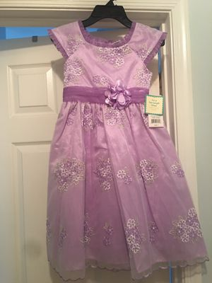 Girls, NEW purple formal dress, Size 7 for Sale in Gaithersburg, MD