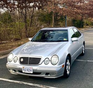 Classic Silver Mercedes Benz E-320 for Sale in Dulles, VA