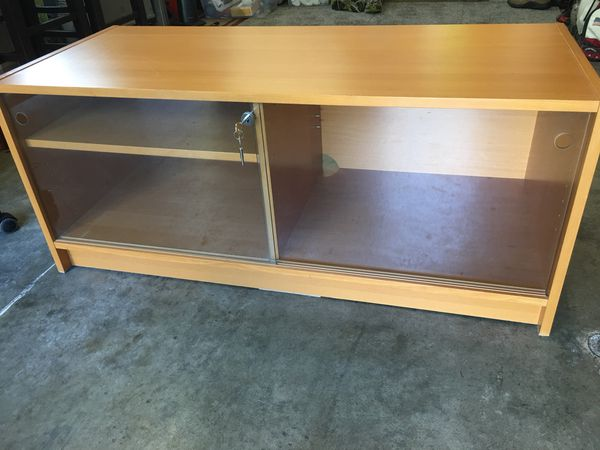 Benno Tv Meubel.Ikea Entertainment Cabinet Tv Stand For Sale In Kirkland Wa Offerup