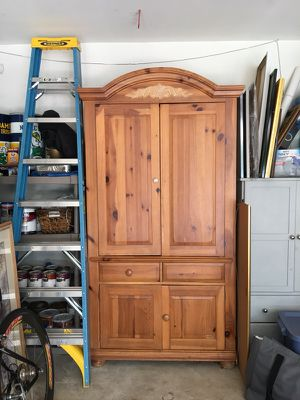 Solid pine Broyhill armoire entertainment center for Sale in Clifton, VA