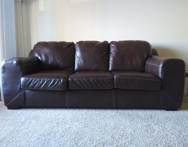 Leather sofa(American furniture) for Sale in San Diego, CA - OfferUp