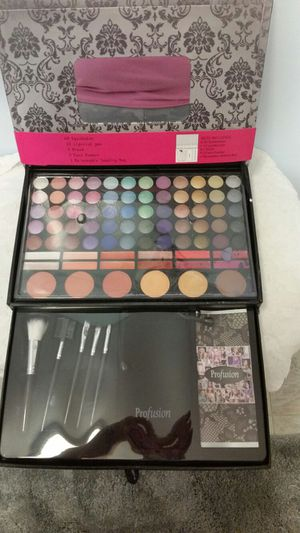 Make up kit for Sale in Lorton, VA