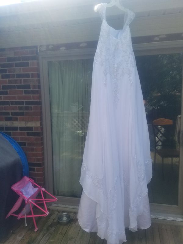 Size 20 wedding dress (bought from David\'s Bridal) for Sale in ...