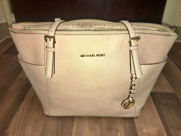 a5e1e5283f6a MICHAEL KORS- Jet Set Large Top-Zip Saffiano Leather Tote! for Sale ...