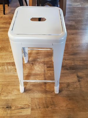 Photo 4 White Metal Bar stools. Brand new straight out of the box. As you can see from pic they still have packaging material on them. 30