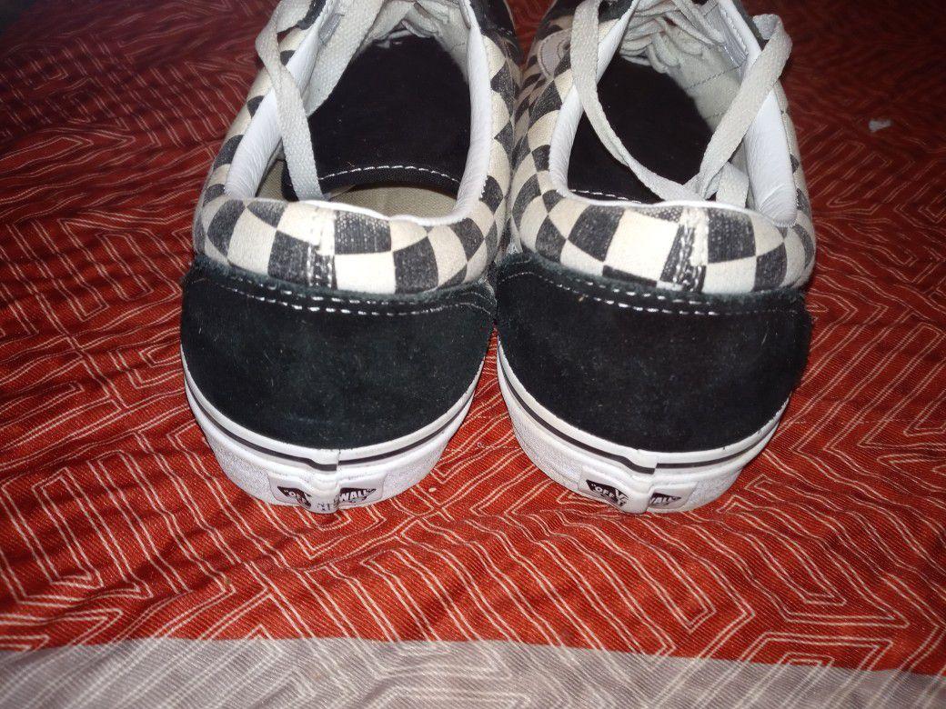 Checker Men Vans Size: 11