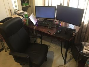 computer desk & chair for Sale in Fort Washington, MD