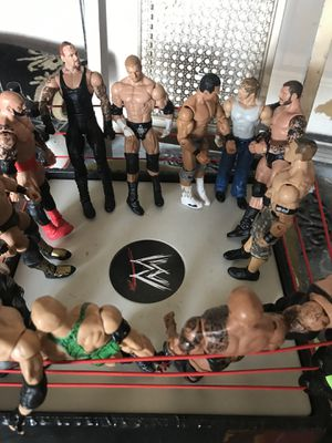 Photo WWE ring with wrestling figures