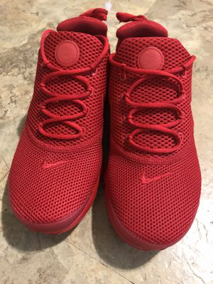 Nike Presto Fly GS triple red running shoe for Sale in Montgomery Village, MD